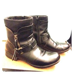 Black clarks boots. Size 9